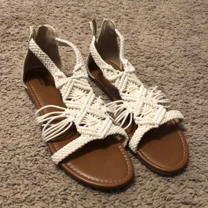 NWOT Mossimo Target Cream Sandals Size 8